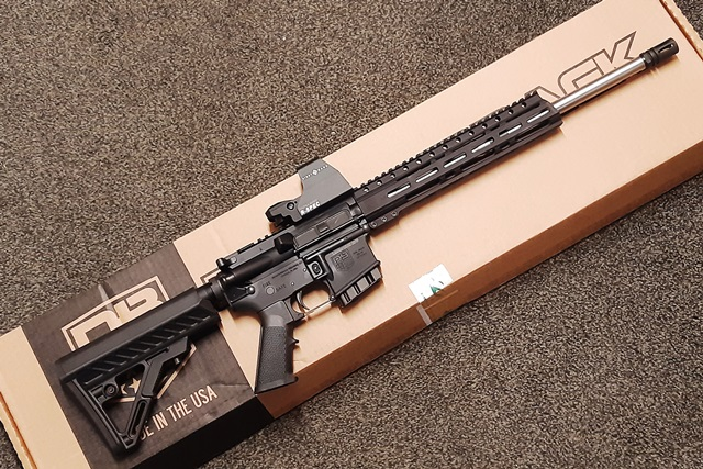 Diamond Back DB15 mit Sightmark R-Spec Image